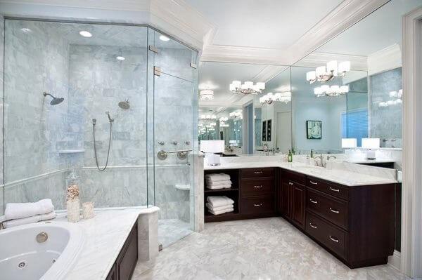 Подходящи душ кабини